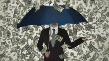ploaie de bani