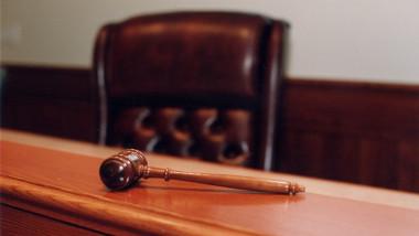 ciocan justitie ciocanel sentinta judecatori foto facebook elena udrea 21 08 2015