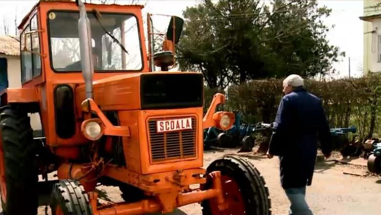 tractor vechi