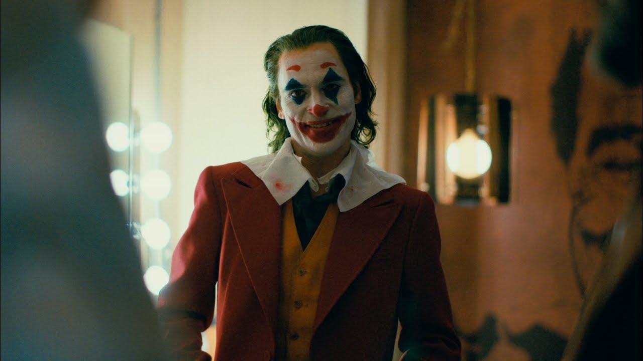 Afectiunea psihica din viata reala de care sufera Joker, ce se manifesta prin ras incontrolabil
