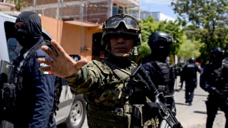 politisti mexicani armata