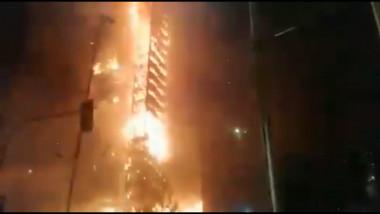 santiago-cladire-incendiata-de-protestatari
