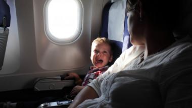 pericole zbor cu avionul