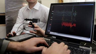 test detector de minciuni GettyImages-73507470