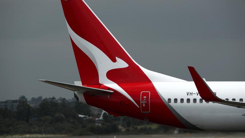avion qantas boeing 737 NG