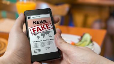 Smartphone fake news