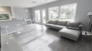 apartament casa airbnb inchiriere sufragerie canapea
