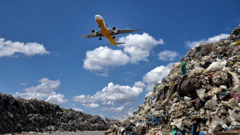 Filipinos Tackle Plastic Pollution At Manila's Bay