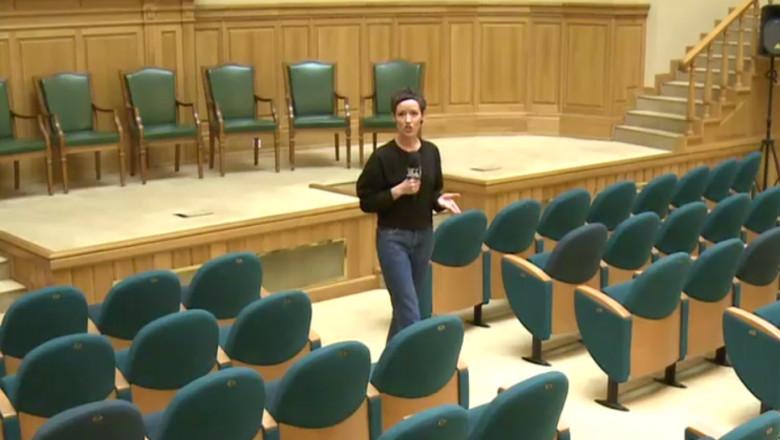 aula-bcu-locul-dezbaterii-dintre-klaus-iohannis-si-formatori-de-opinie