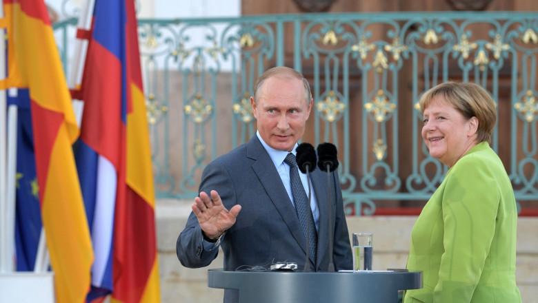 putin merkel semn cu mana - kremlin