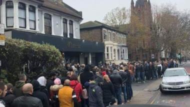 Cozi la vot în zona Stratford