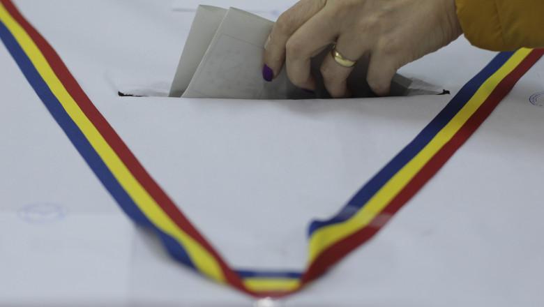 voturi introduse in urna