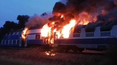 incendiu-tren-cfr-teleorman0isu (3)