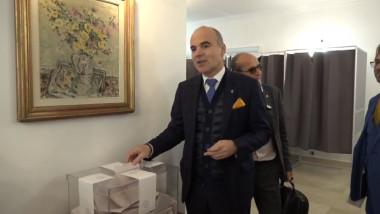 Rareş Bogdan votează