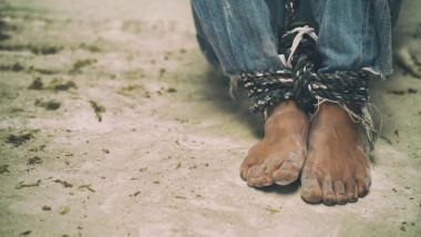 sclavie modernă, sechestrat