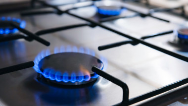 """Prețul la gaz din iarna 2020 va fi """"cu certitudine"""" mai mic decât prețul din iarna 2019, a declarat ministrul Economiei, Virgil Popescu"""