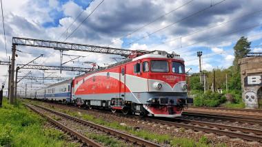 tren-calatori-cfr-fb