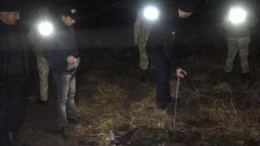 Transportau-alcool-printr-o-conducta-ce-trecea-hotarul-spre-Ucraina-Contrabandistii-ar-fi-avut-legaturi-cu-oamenii-legii-VIDEO--64810-1576252724