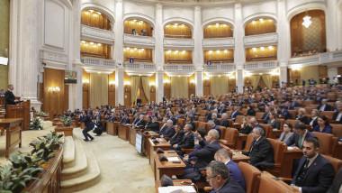 iohannis-sedinta-solemna-parlament-30-ani-revolutie-inquamphotos-octav-ganea (2)