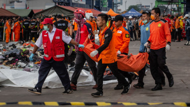 Relatives Of Lion Air Crash Victims Await News At Hospital