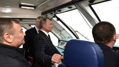 vladimir-putin-tren-pod-rusia-crimeea-kremlin.ru