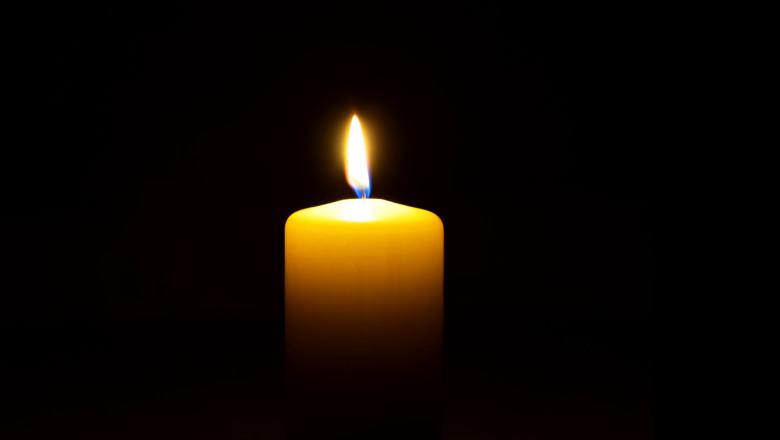 lumanare candela GettyImages-1071992582