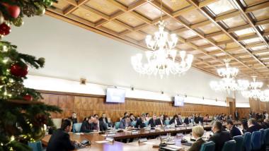guvernul-orban-sedinta-craciun-gov