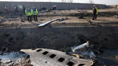 rămășșițe avion ucrainean doborât deasupra Teheranului