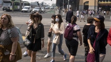Melbourne Suffers Hazardous Air Quality As Bushfire Smoke Blankets City