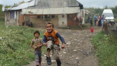 copii romi în România, sărăcie