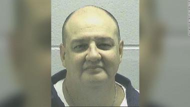 Un criminal condamnat la moarte a cerut să fie dus în fața plutonului de execuție pentru că injecția letală ar putea fi prea dureroasă