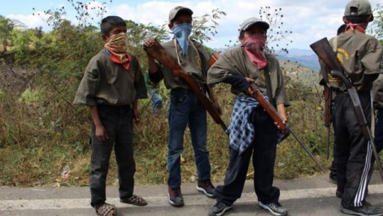 Copiii din statul Guerrero sunt antrenati sa lupte impotriva traficantilor de droguri din Mexic