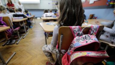 copii elevi școală București