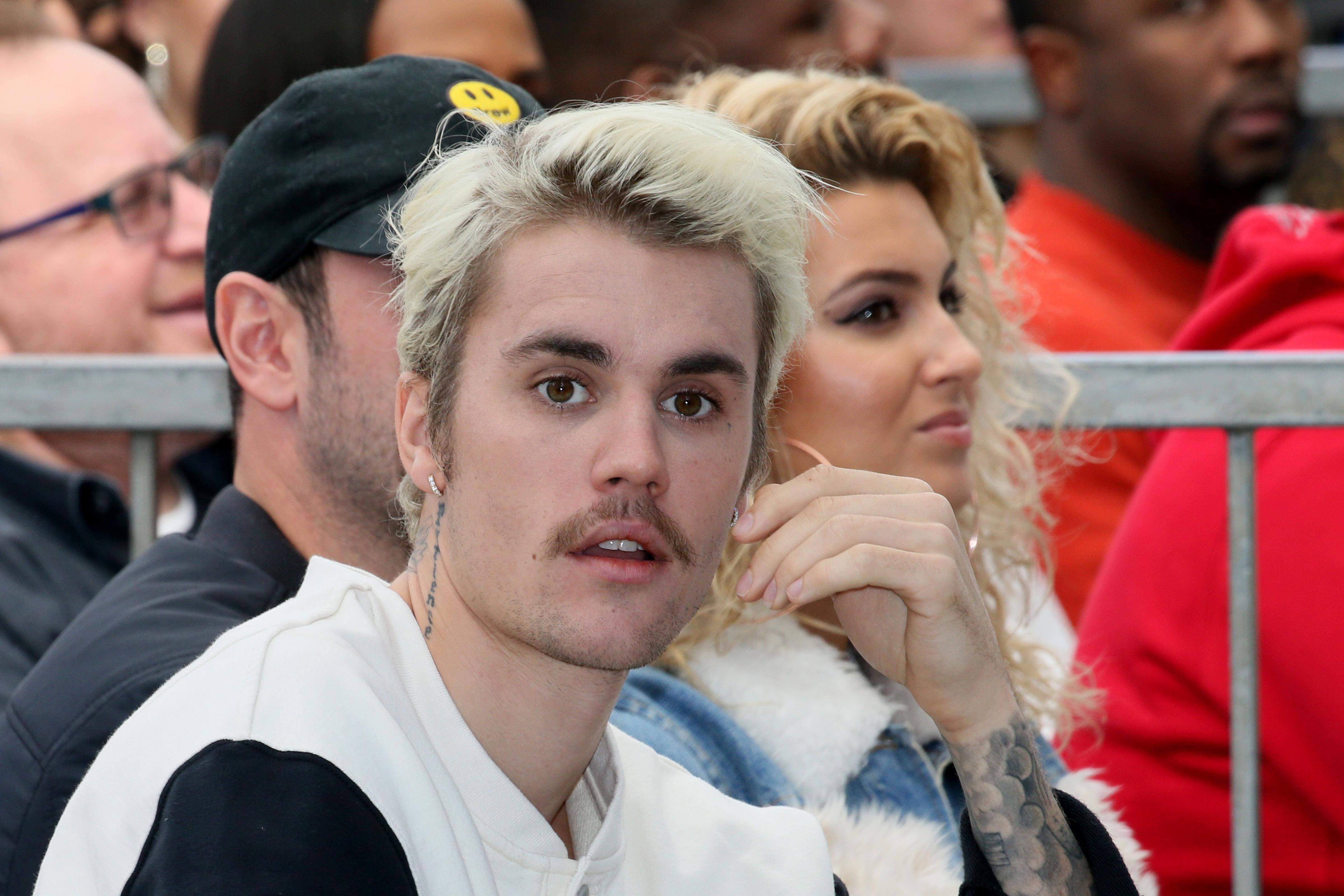 Justin Bieber neagă că ar fi violat o tânără în 2014, după acuzațiile lansate pe Twitter în weekend