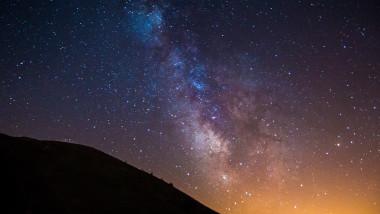 cer stele planete spatiu deal calea lactee