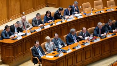 guvernul-orban-in-parlament-gov