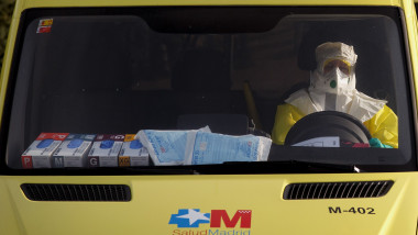 Doctor Arrives In Madrid After Possible Contamination From Ebola Patient In Mali