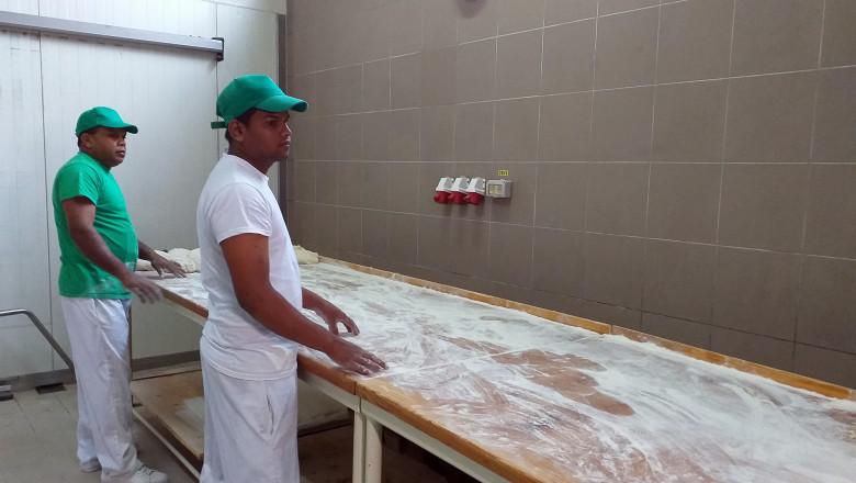 brutari din Sri Lanka la brutăria din Ditrău