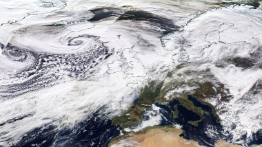 Storm Dennis to spread strong winds across central and northern Europe