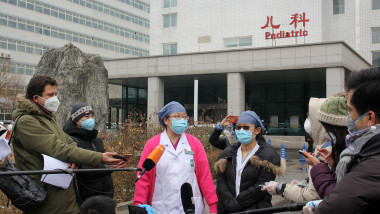 China: Recovered Chinese family discharged from hospital in Beijing