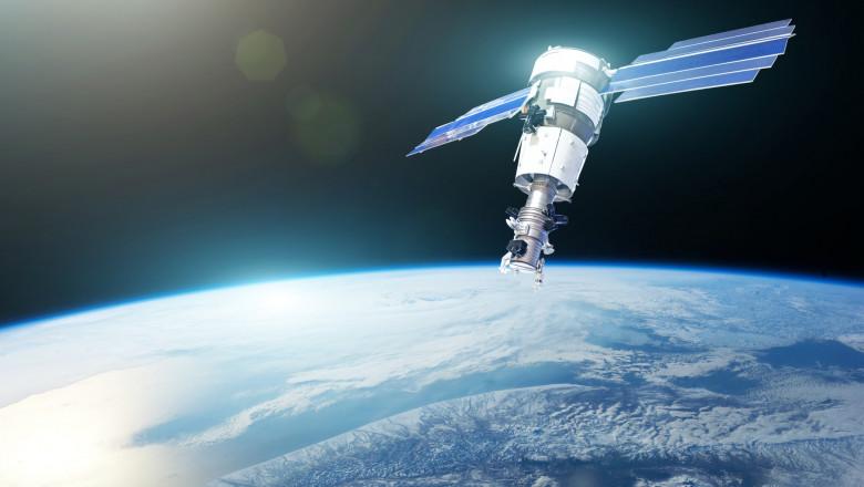 satelit NASA