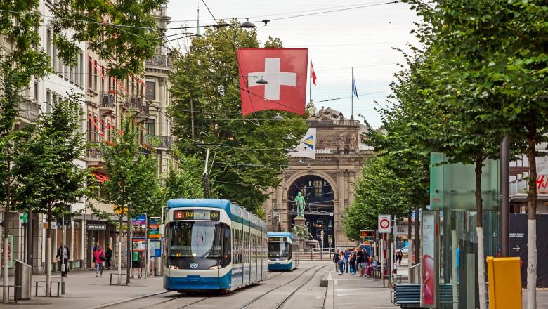 Zurich elvetia steag tramvai