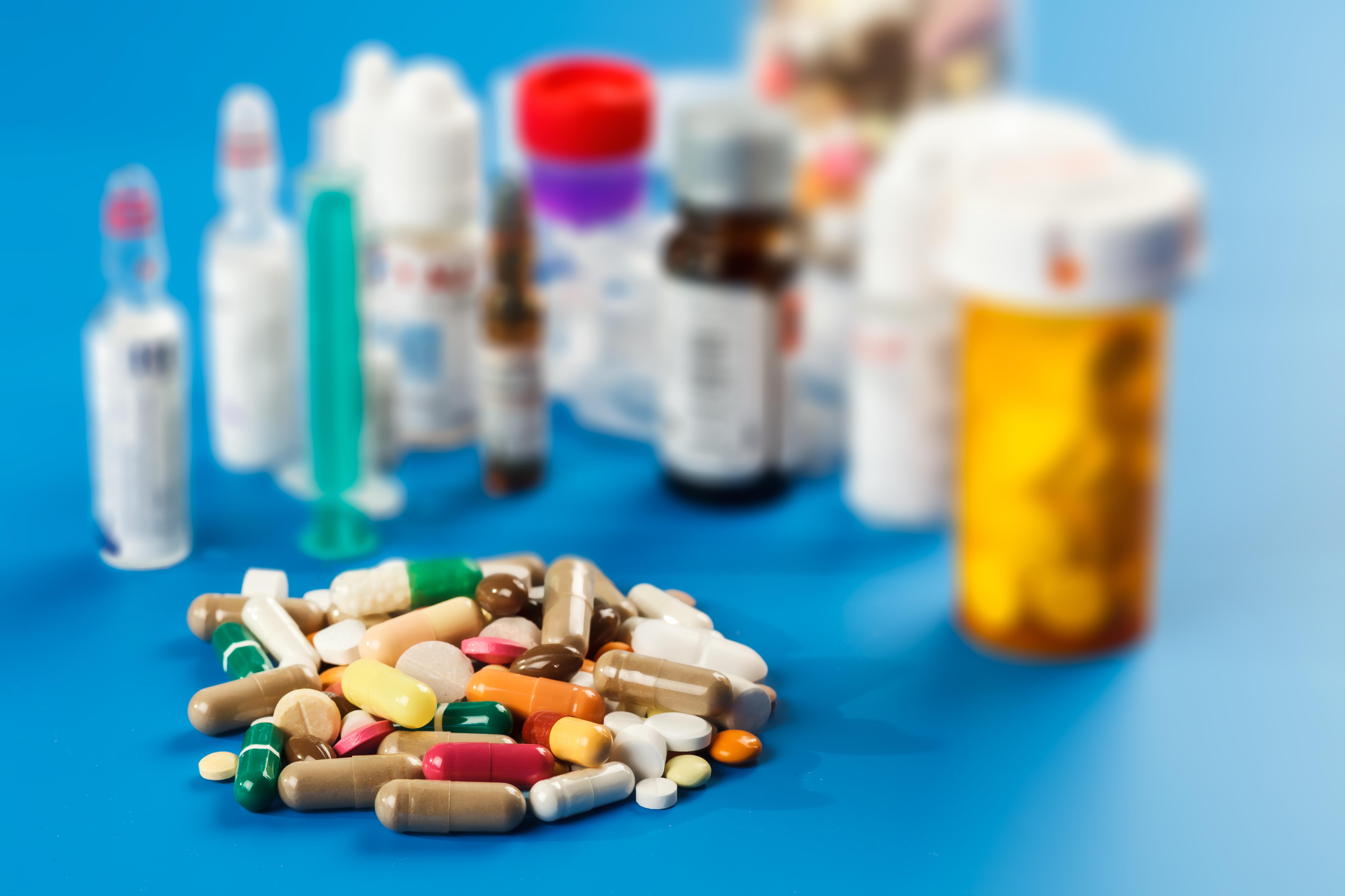 Producatorii de medicamente: Nu exista goluri de aprovizionare pentru medicamentele fabricate in Romania, nici pericol de scumpire