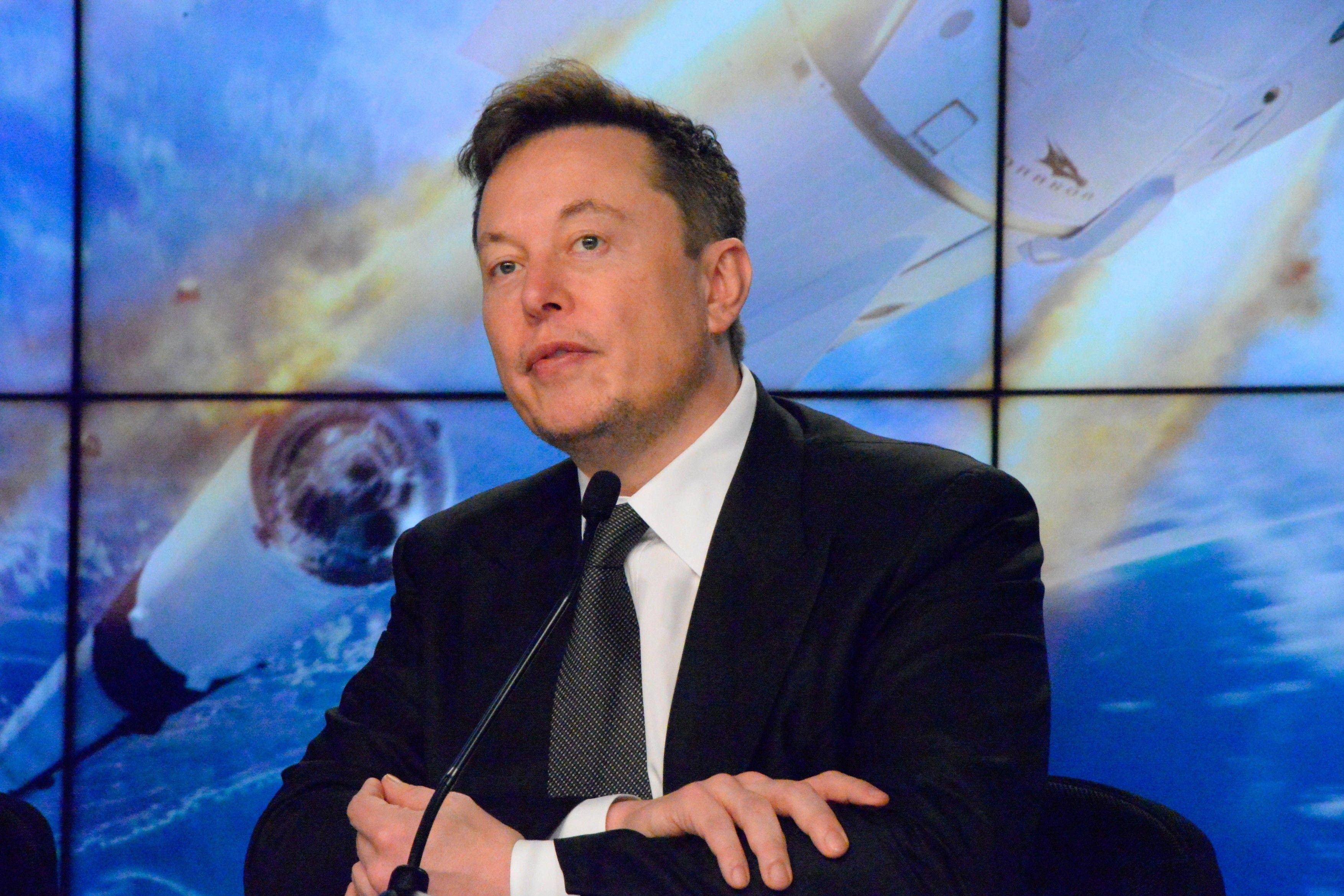 "Elon Musk a dezvaluit ca are sindromul Asperger: ""Credeati ca sunt un tip normal si relaxat?"""