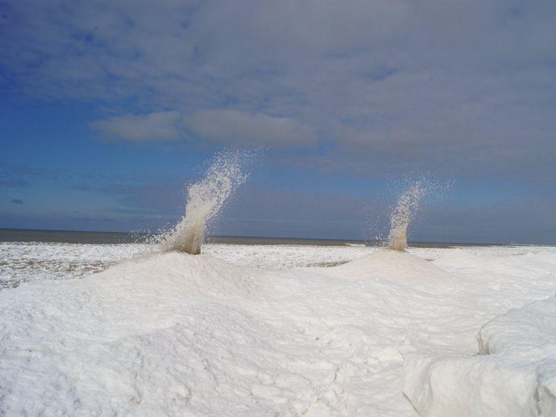 foto-ce-sunt-vulcanii-de-gheai