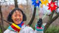 hiroko ogawa, o maratonista japoneza stabilita in bucuresti pasrticipa la parada de 1 decembrie