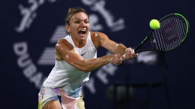 simona halep dubai 2020 getty f