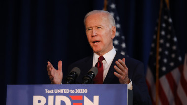 Joe Biden sustine o conferinta de presa in New York