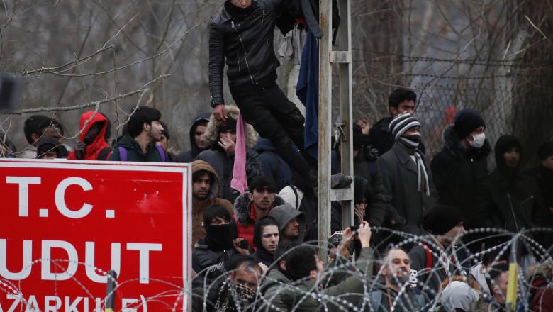 refugiați la granița dintre Turcia și Grecia