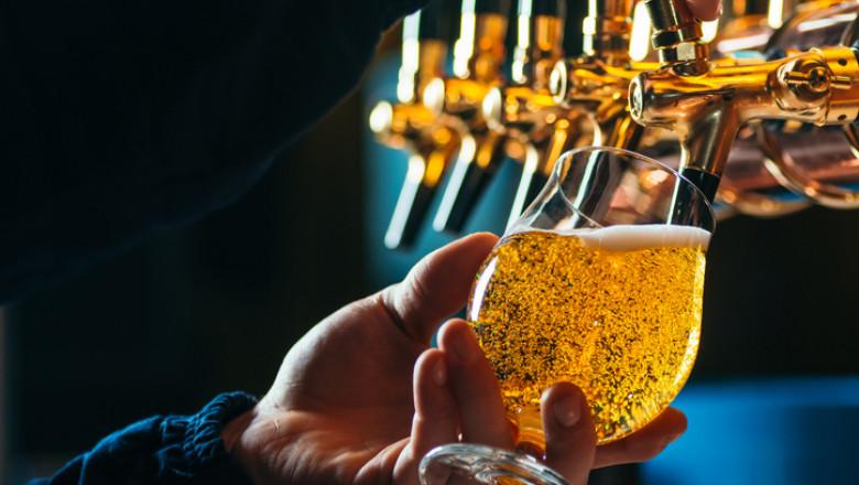bere, pahar cu bere